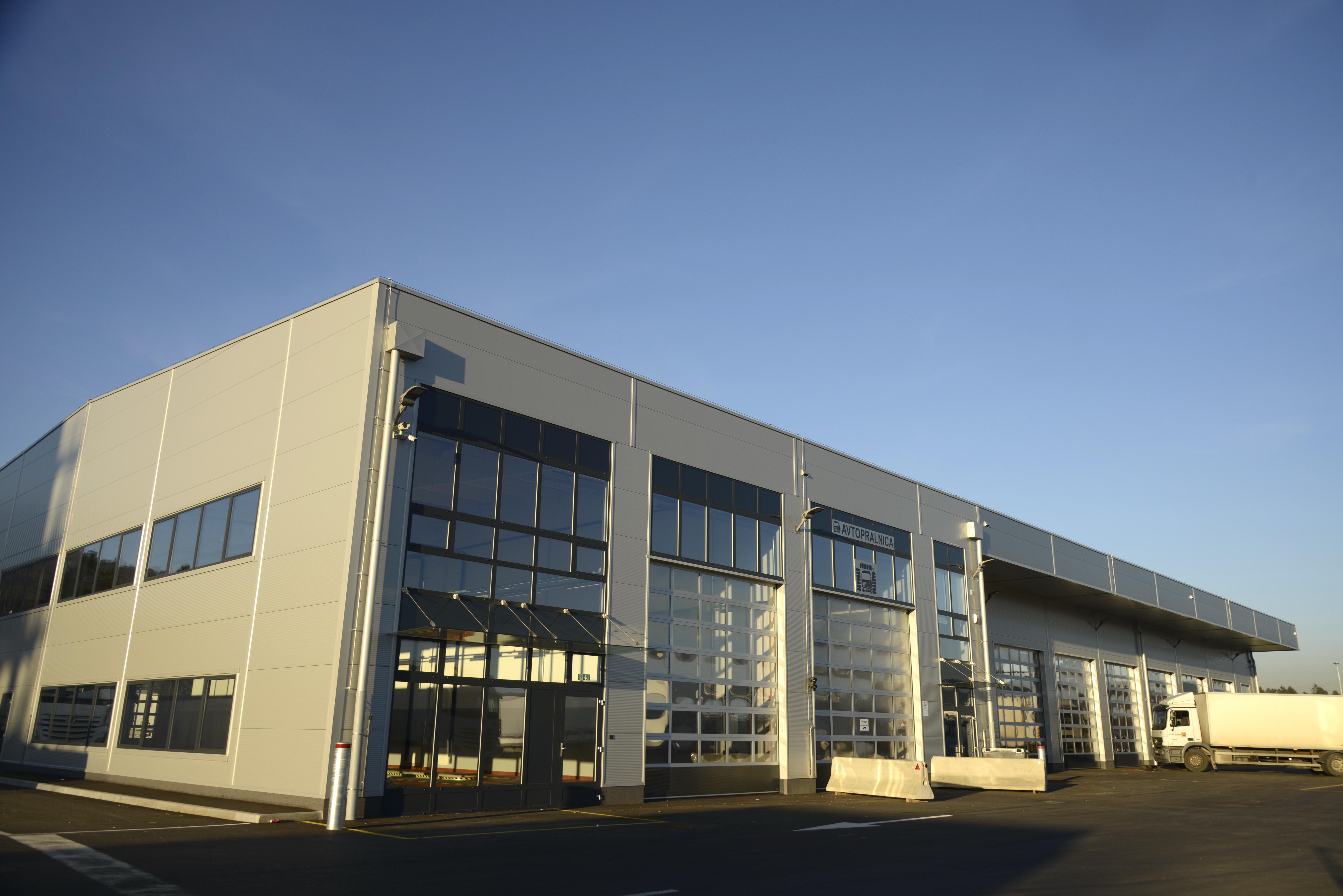 Nova servisna delavnica v sklopu servisnega centra Brdo.